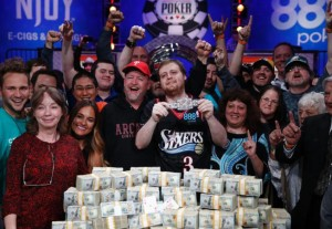 JOE MCKEEHEN IS THE NEW CHAMPION OF WSOP MAIN EVENT 2015