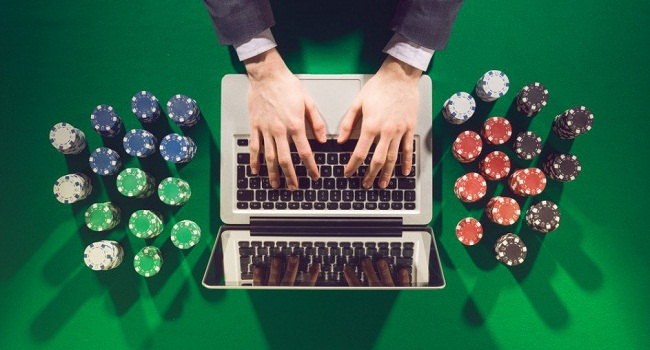 Things you should consider while gambling Online